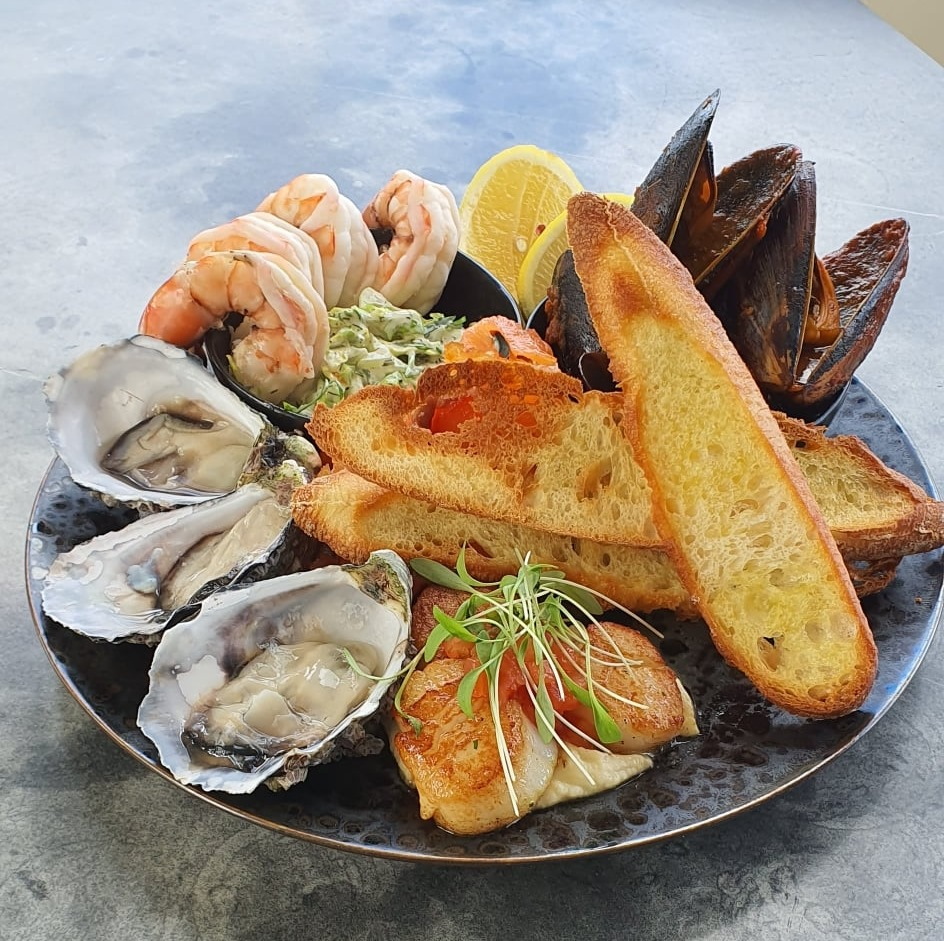 easter fresh seafood plate